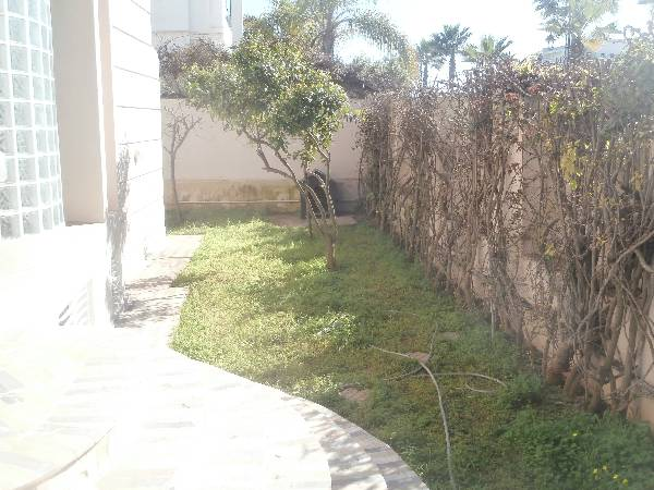 Villa usage bureau ou commercial à hay Riad, Rabat.